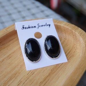 ❤️️ BRAND NEW ❤️️ Handmade Earrings.